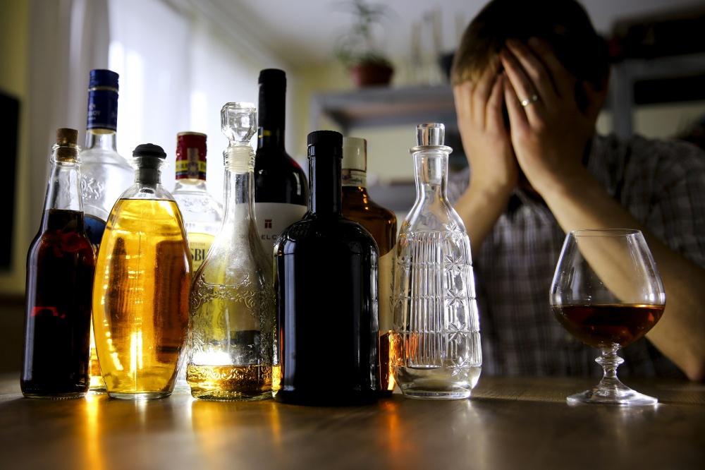 Как влияет на организм человека алкоголь и почему стоит вообще от него отказаться.