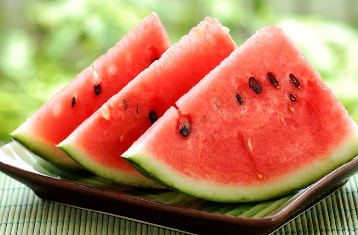 15 продуктов, которые лучше других выводят лишнюю воду из организма